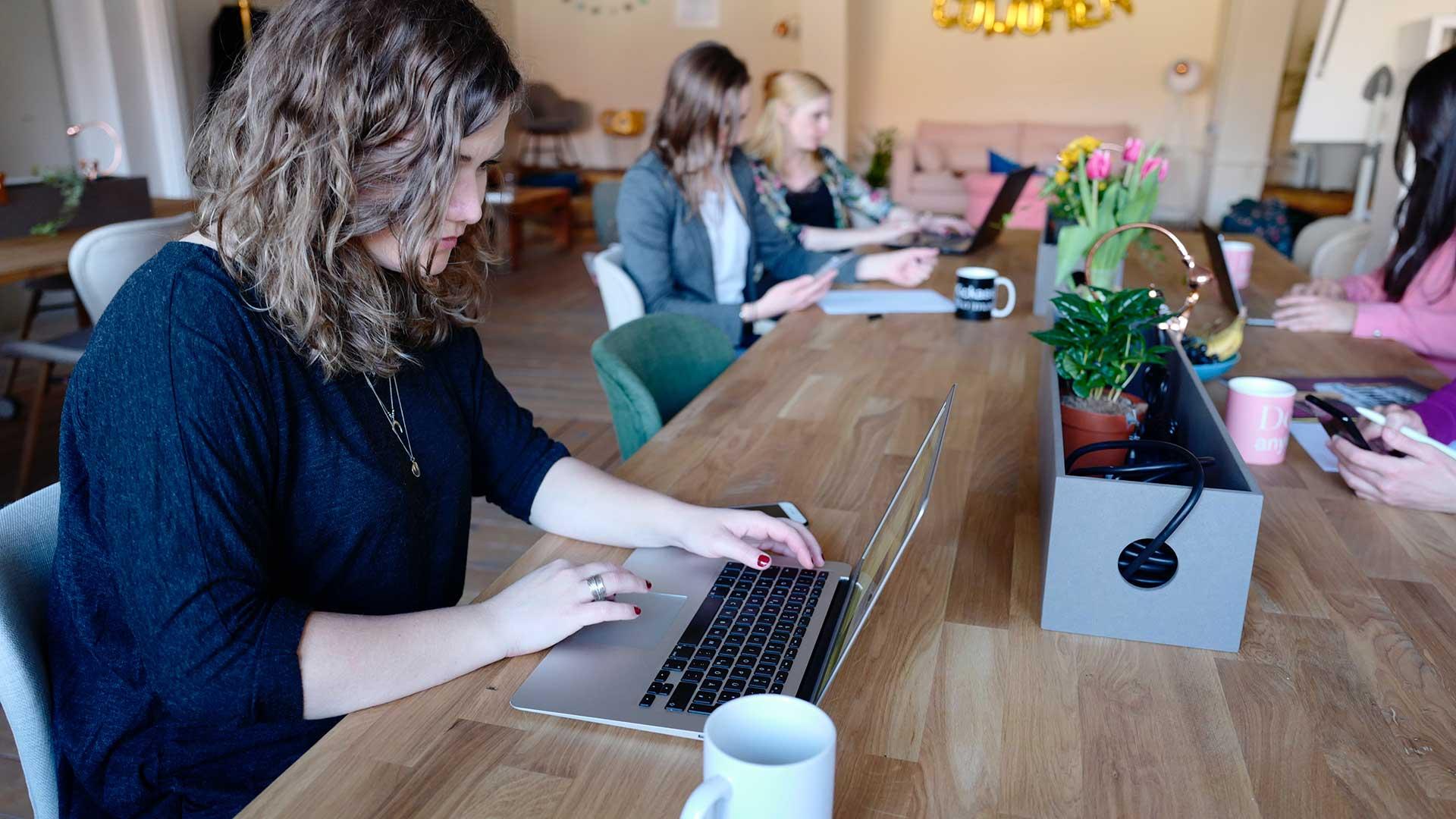 Enriquece tu trabajo a través del co-studying y co-working